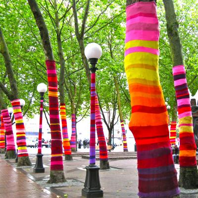 https://i.pinimg.com/736x/06/61/8a/06618a36b296e708889e3364402e4265--yarns-art-installations.jpg